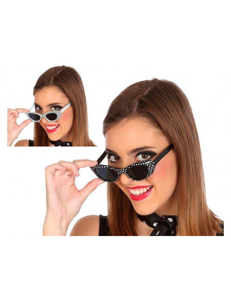 Gafas de sol con lunares negras